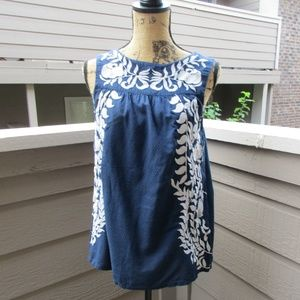 Lucky Brand blue embroidered peasant top Sz M 1393